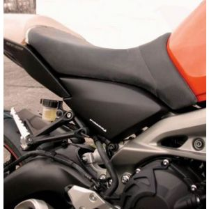Pyramid Plastics Frame Infill Panel in Black Yamaha FZ-09